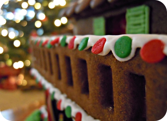 What Kind Of Icing Goes On Gingerbread Cake