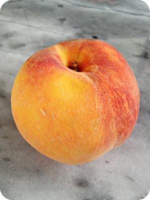 Peach Crumble Ice Cream